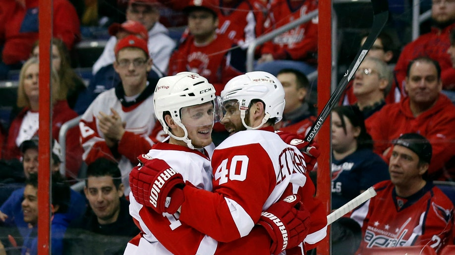 4d8ce3c4-Red Wings Capitals Hockey