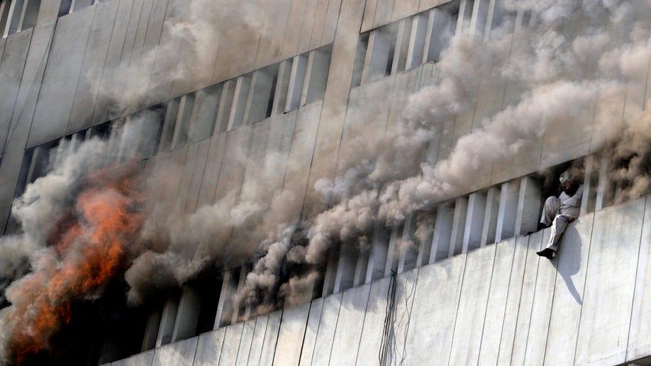 afb1c3f0-Pakistan Building Fire