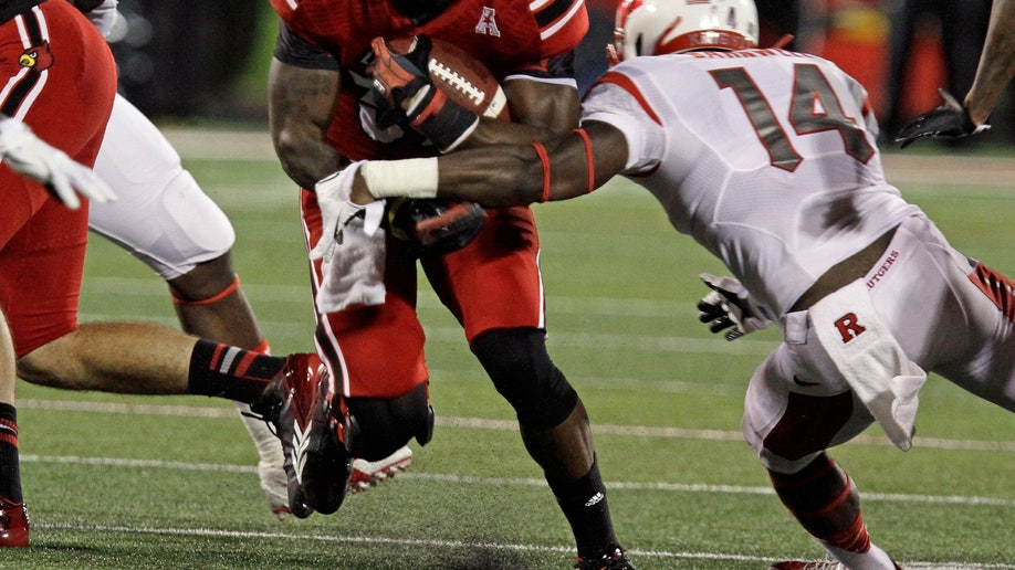 ac8b0247-Rutgers Louisville Football