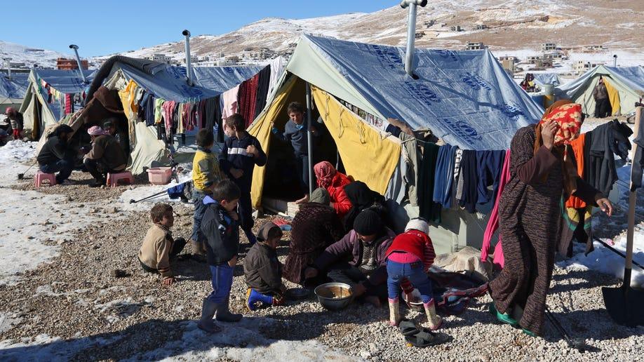 b448d79c-Mideast Lebanon Syria