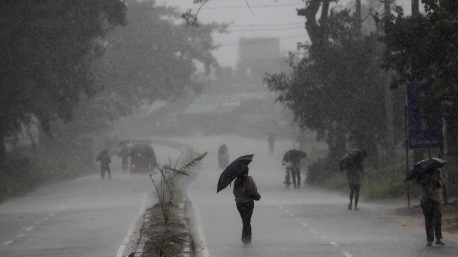 59666bf6-India Cyclone