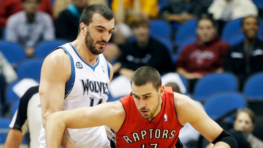 1e8cf06f-Raptors Timberwolves Basketball