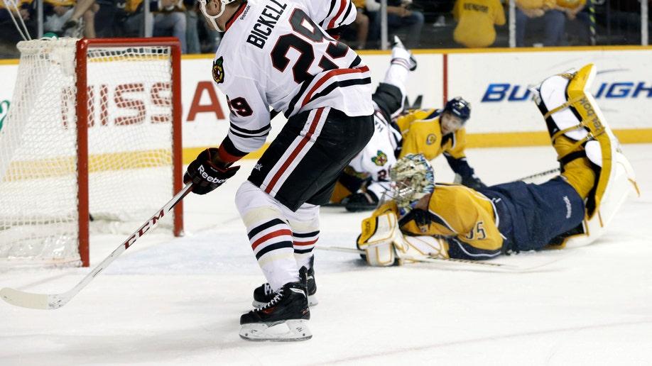 59ca3e44-Blackhawks Predators Hockey
