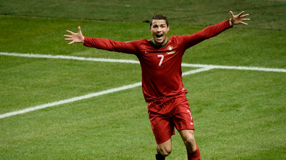 bd0b9a7c-Sweden Portugal WCup Soccer