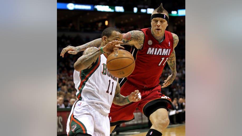 6dd79cc2-Heat Bucks Basketball
