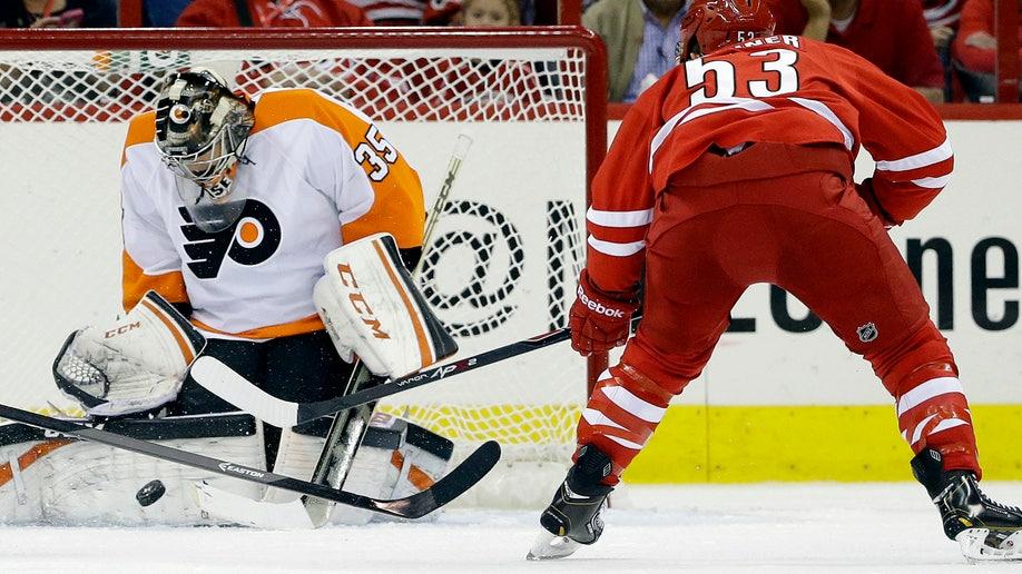 0c5b14aa-Flyers Hurricanes Hockey