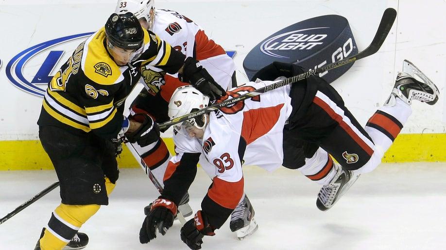bfe62f41-Senators Bruins Hockey