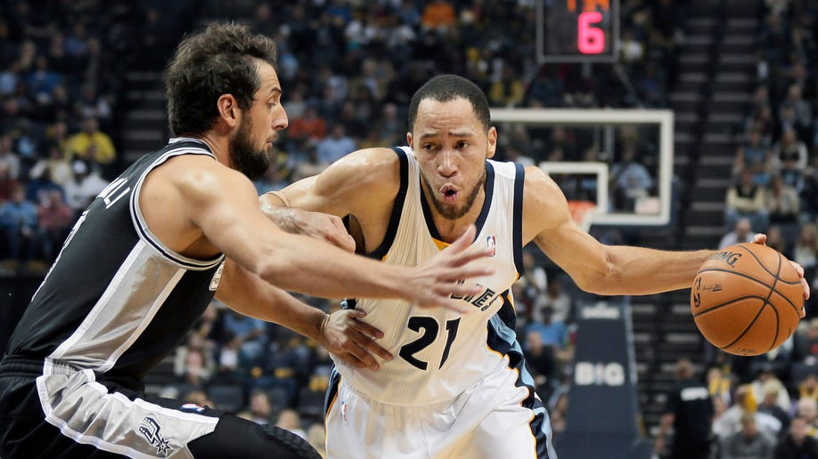 ad36ef05-Spurs Grizzlies Basketball