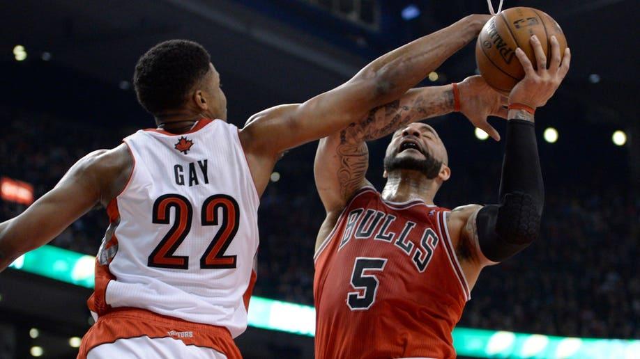 36133474-Bulls Raptors Basketball