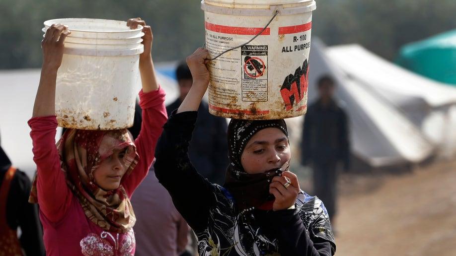 cec5f6ba-Mideast Syria Displaced