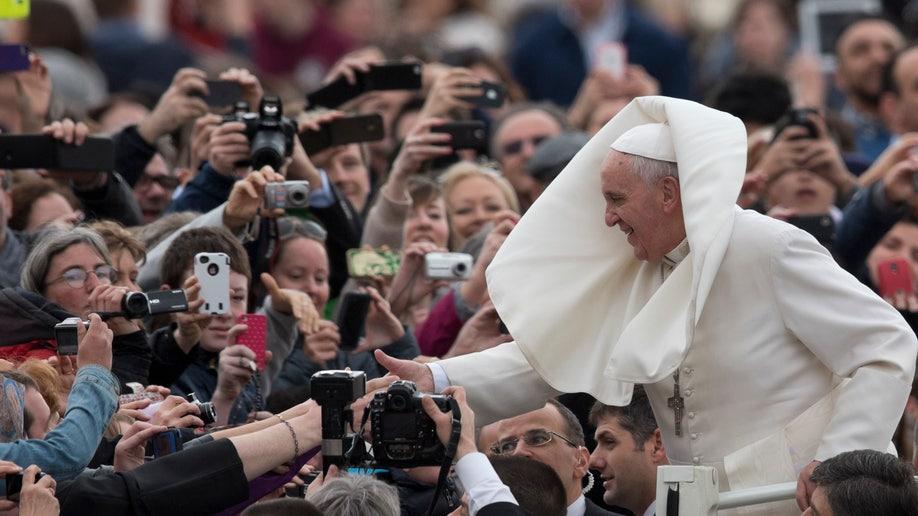 0008050d-Vatican Pope