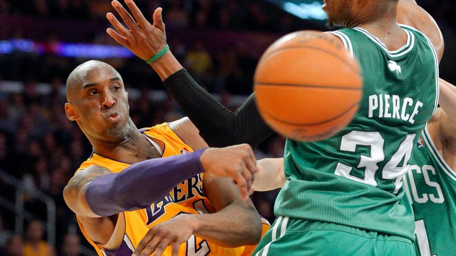 93391577-Celtics Lakers Basketball