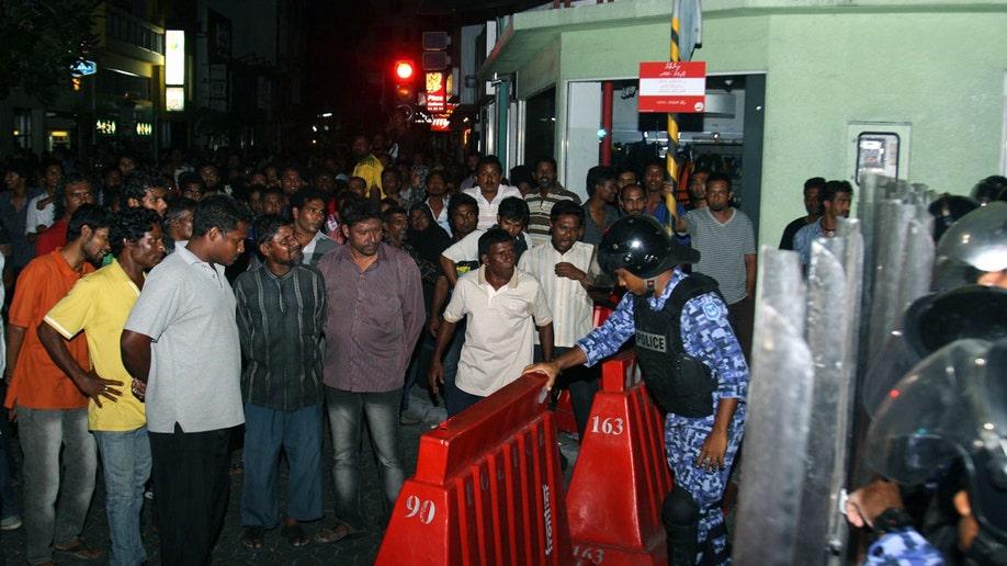 5b3dc3d9-Maldives Politics