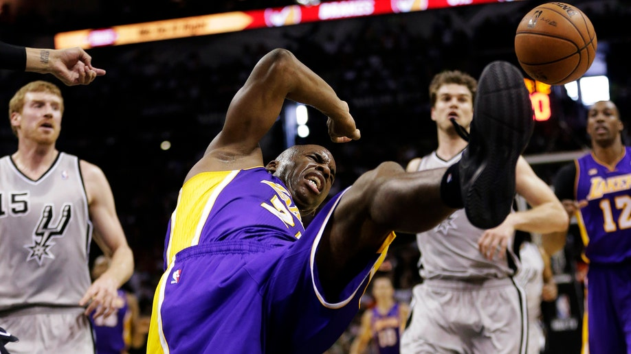 Lakers Spurs Basketball