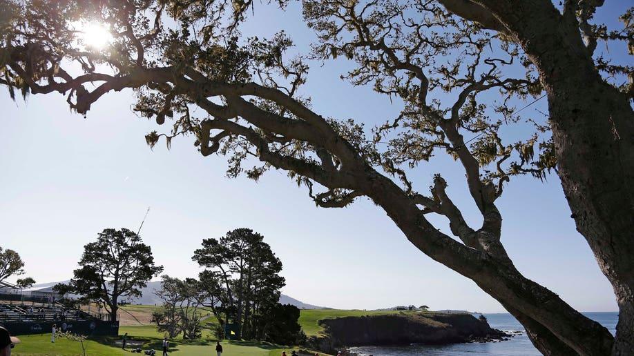 bdb57439-Pebble Beach Golf