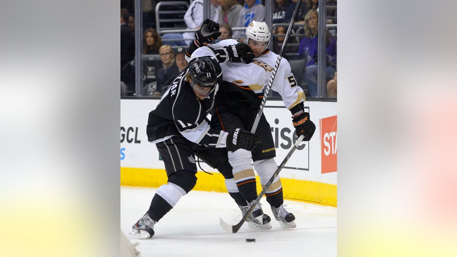 e61491d9-Ducks Kings Hockey
