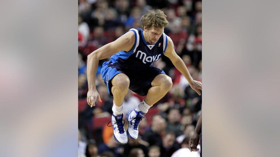 a81ec3b2-Mavericks Trail Blazers Basketball