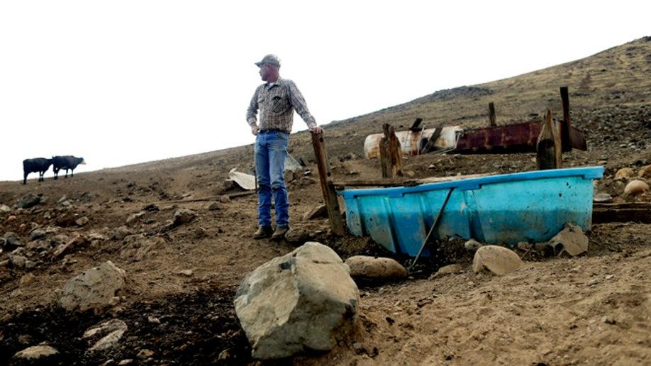 72da6e0e-California Drought Dry Town