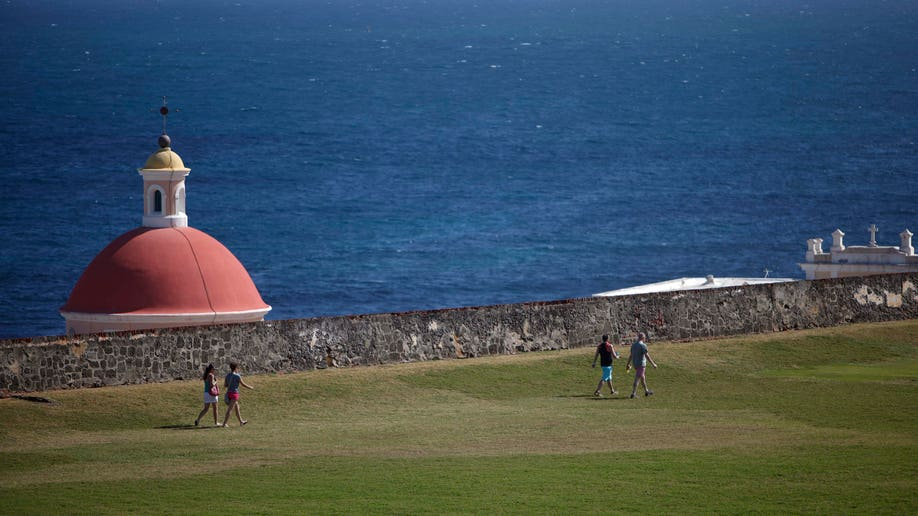 8dec1ab8-Travel-Trip-5 Free Things-Puerto Rico