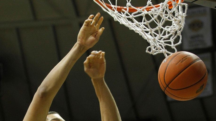 1016de04-CCSU Purdue Basketball