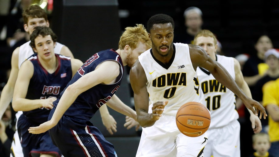 ee112986-Fairleigh Dickinson Iowa Basketball