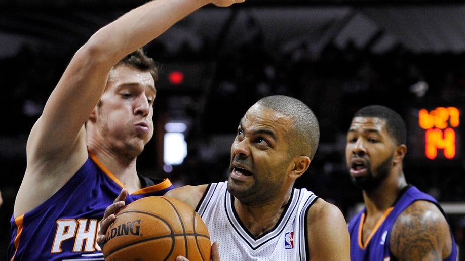 c7f90ca9-Suns Spurs Basketball
