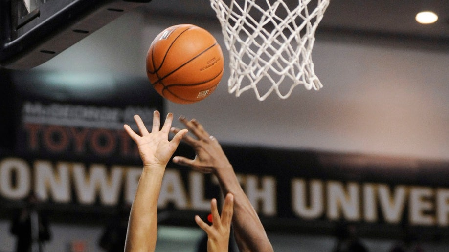 a9ea4b56-La Salle Virginia Commonwealth Basketball