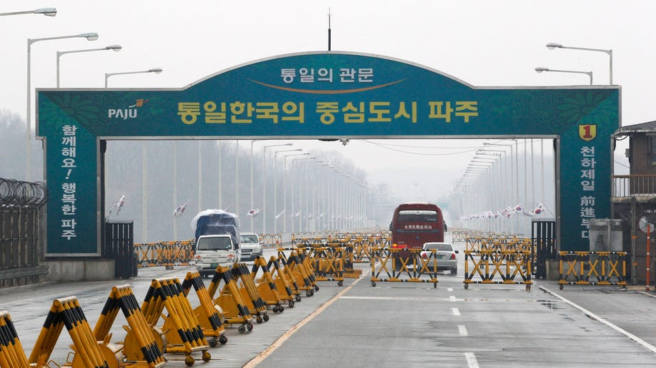 20b80988-South Korea Koreas Tension