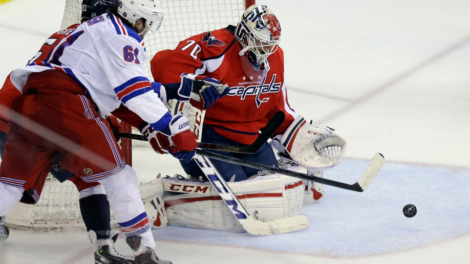 40987683-Rangers Capitals Hockey