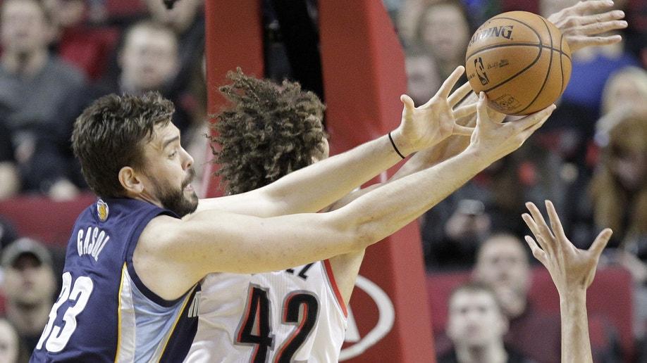 ab762cc5-Grizzlies Trail Blazers Basketball