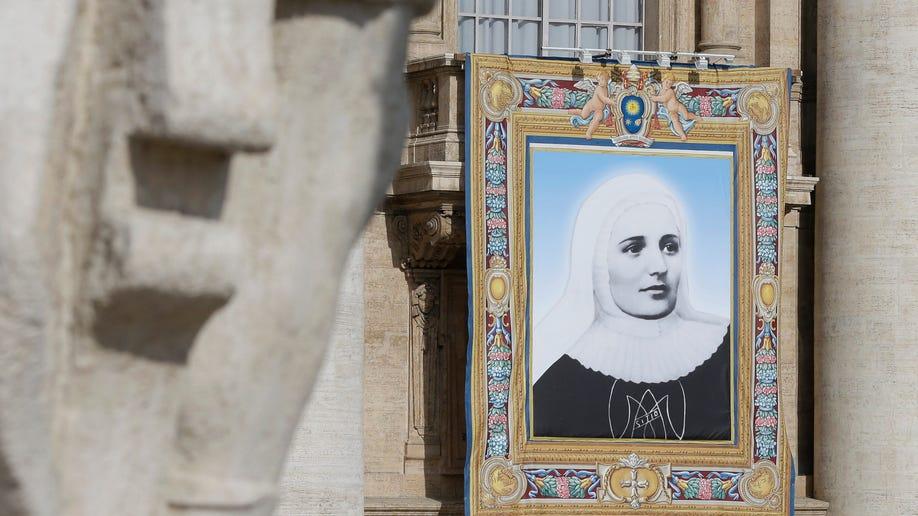c6714081-Vatican New Saints
