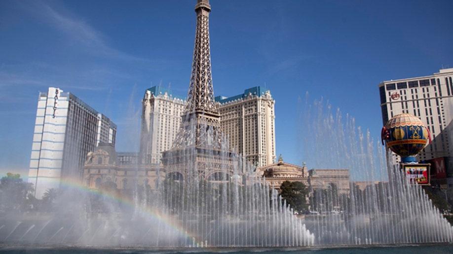 7c1924e8-Travel-Trip-5 Free Things-Vegas