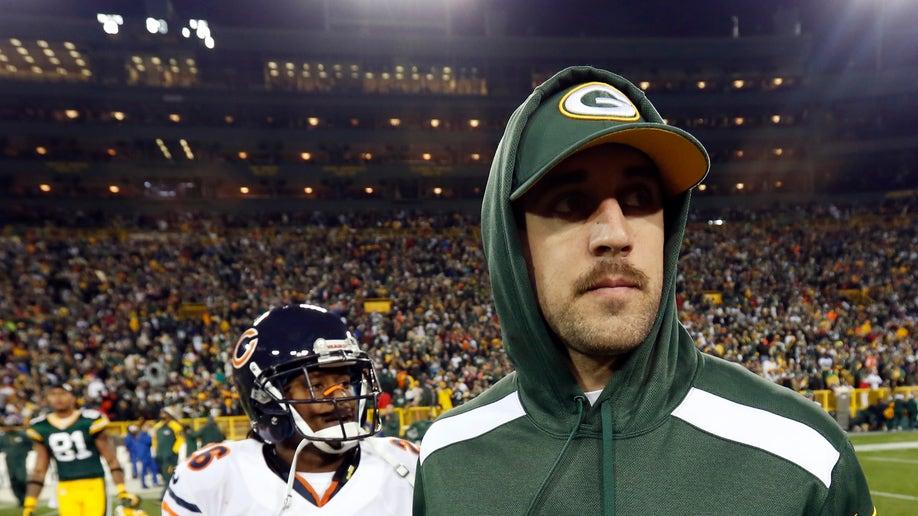 9e65cec2-Bears Packers Football