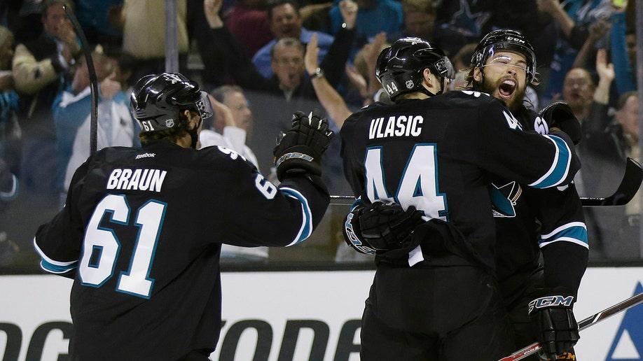 95893dd9-Kings Sharks Hockey
