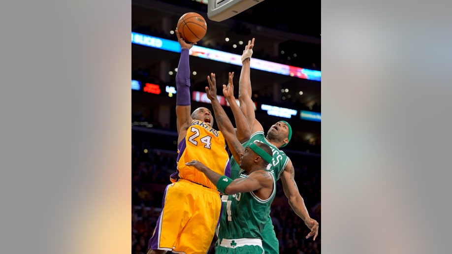 d8dd46fb-Celtics Lakers Basketball