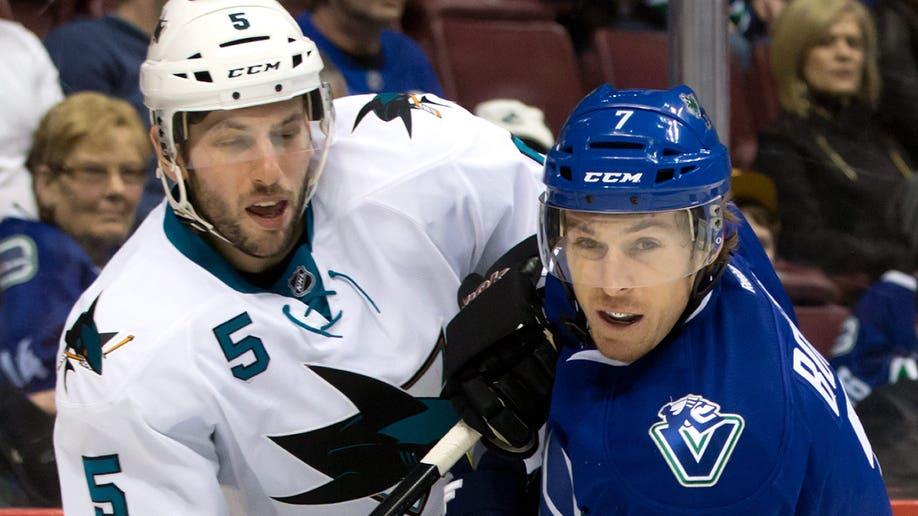 5f7c7420-Sharks Canucks Hockey