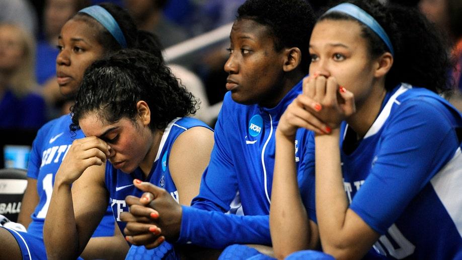 APTOPIX NCAA Kentucky Connecticut Basketball
