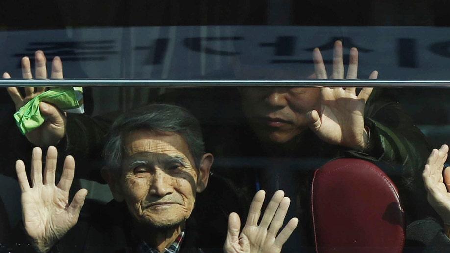 2c8dcd56-North Korea Koreas Divided Families