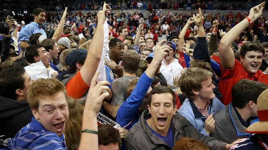 35e346c1-Cincinnati SMU Basketball