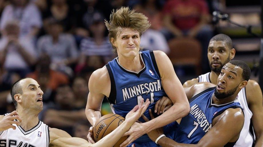 026fea8f-Timberwolves Spurs Basketball