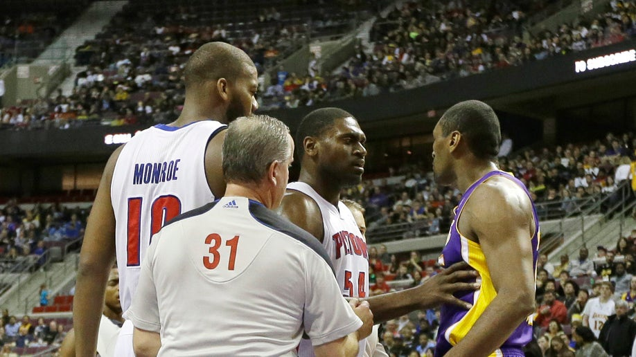 a3187d0d-Lakers Pistons Basketball