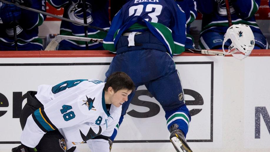 bdb591e0-Sharks Canucks Hockey