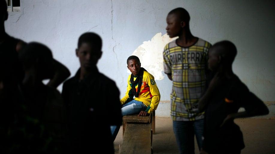 8e0e7d61-Mali Fighting