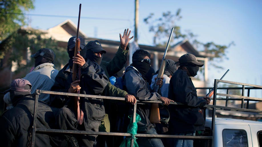 8ffb9af0-Mexico Vigilantes