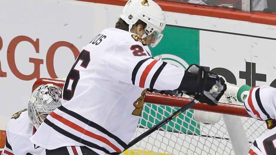 74682685-Blackhawks Wild Hockey