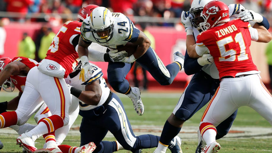 839e2961-Chargers Chiefs Football