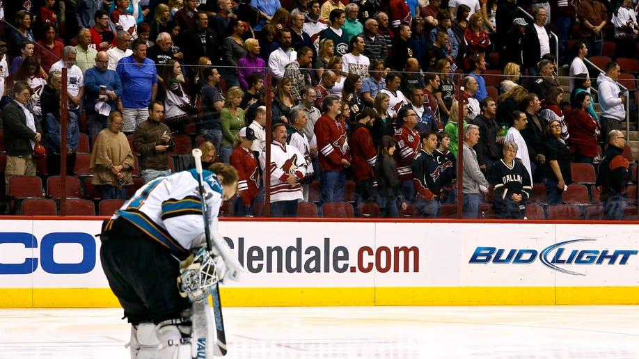 e0a9f91d-Sharks Coyotes Hockey