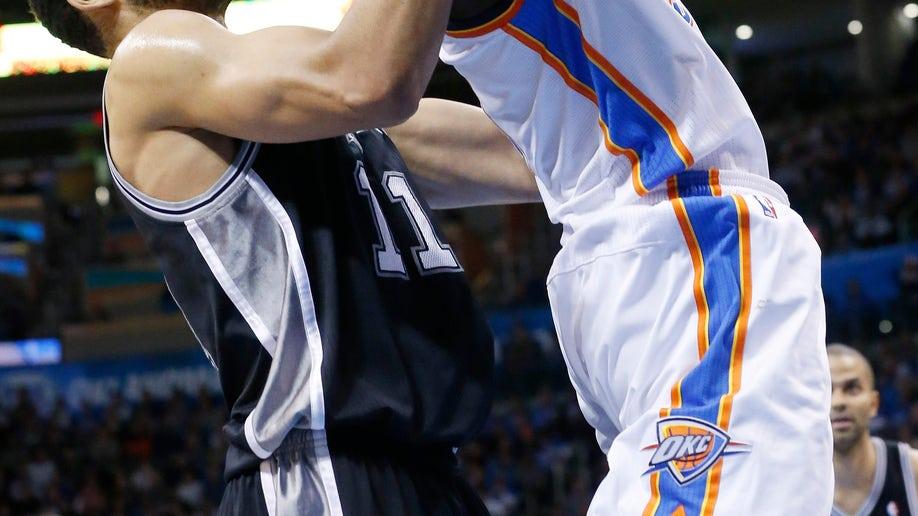 be6a418c-Spurs Thunder Basketball