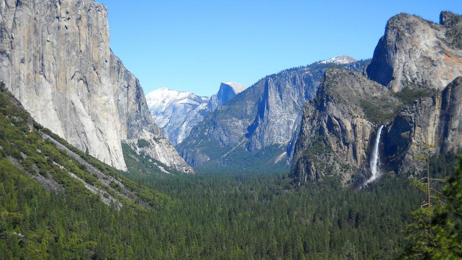 137e096e-Travel-Trip-Yosemite for Beginners