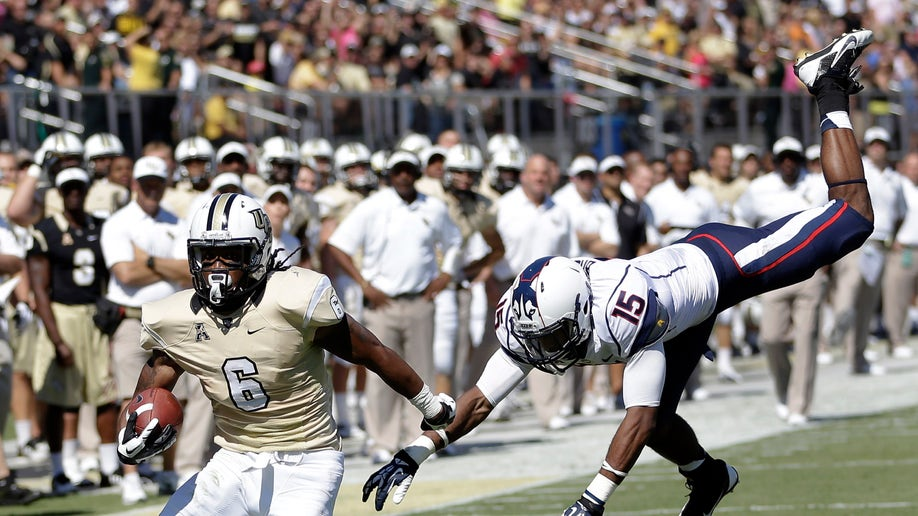 3137e507-UConn UCF Football
